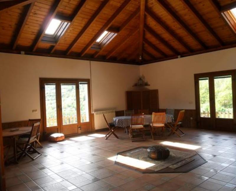 Sala Comun Multifuncional. Apartamentos Rurales La Escuela