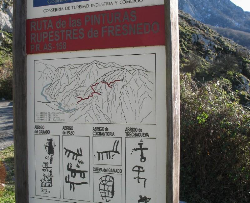 cartel en el area recreativa de las pinturas rupestres de Fresnedo