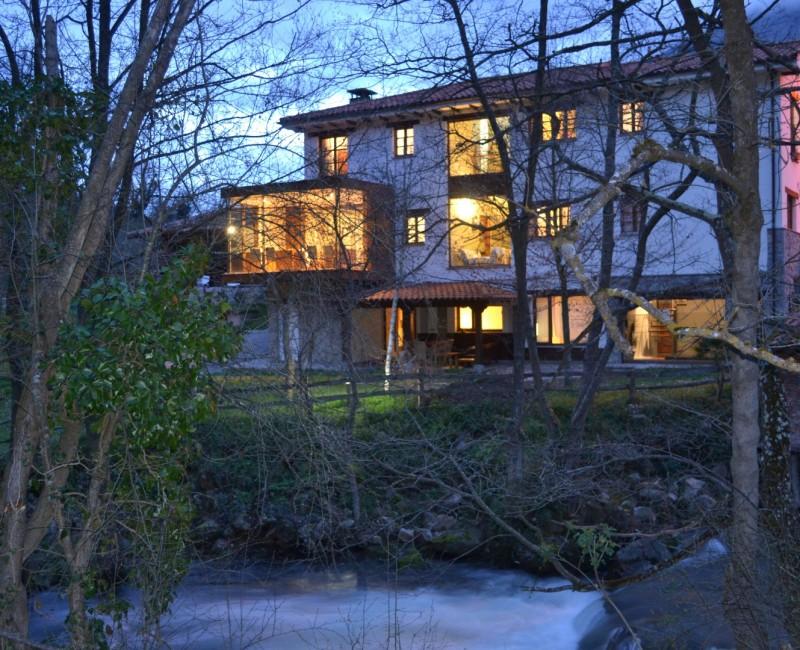 exteriores hotel rio noche 4